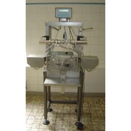 Semi-automatische Plümatex  afvul en afsluit machine voor flacons, flessen en tassen BFH T7/2